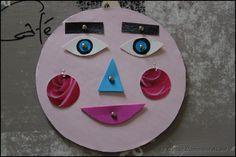 Les émotions : la joie, la peur, la colère, la tristesse, le bonheur… Nous adulte, nous connaissons ces émotions, nous arrivons à les exprimer (à peu près!) et nous les maîtrisons (enfin pas …