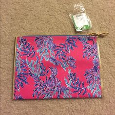 Lilly Pulitzer envelope clutch New with tags! Never used.  In great condition.  Samba - Capri Pink. Authentic Lilly Pulitzer. No returns!! Lilly Pulitzer Bags Clutches & Wristlets