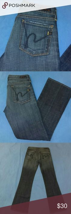"""NWOT CITIZENS OF HUMANITY BOOTCUT JEANS-SIZE 24 -Citizens of Humanity """"Kelly #001"""" Boot cut Jeans -Size 24 -Low Waist, Stretch -New, Never Worn -5 Pockets -98% Cotton, 2% Polyurethane -Made in USA -Waist measures 14"""", laying flat -Inseam measures 27"""" in length -Good Looking Jeans Citizens of Humanity Jeans Boot Cut"""