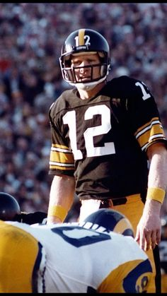 Terry Bradshaw - Quarterback for the Pittsburgh Steelers Nfl Football Players, Football Memes, Sport Football, School Football, Sports Teams, Steelers Gear, Pittsburgh Steelers Football, Pittsburgh Sports, Super Bowl