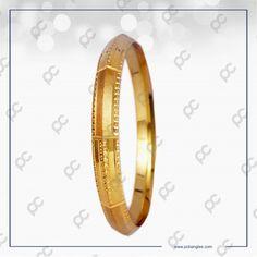 Mens Gold Bracelets, Mens Gold Jewelry, Gold Necklaces, Gold Bangles, Gents Bracelet, Gold Mangalsutra, Cow Skull, Classic Gold, Kare Design
