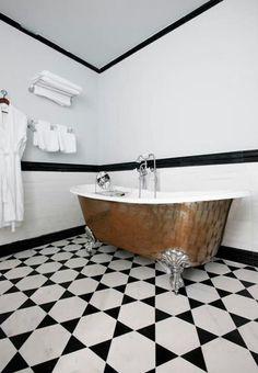 Gorgeous Claw Foot Bathtub