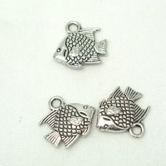 3 petites breloques poisson tropical en métal argenté 13x12mm