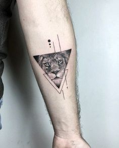 50 fantastic lion tattoos - new tattoo designs 2018 - lion .- 50 fantastische Löwentattoos – Neu Tatto Designs 2018 – Löwen Tattoo am Arm … 50 fantastic lion tattoos – new tattoo designs 2018 – lion tattoo on the arm – - Dreieckiges Tattoos, Detailliertes Tattoo, Trendy Tattoos, Tattoo Fonts, Unique Tattoos, Body Art Tattoos, Tattoos For Women, Small Tattoos For Men, Amazing Tattoos