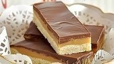 """How to cook """"Twix"""" Ingredients: Butter — 2 packs Flour — 2 cups Sugar — cups Sweetened condensed milk — 2 cans Milk chocolate — 300 Best Pastry Recipe, Pastry Recipes, Cooking Recipes, No Cook Meals, Food Photo, Biscotti, Cheesecake, Easy Meals, Yummy Food"""