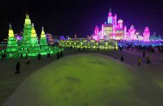 29 décembre 2013 /édition du célèbre festival de sculptures sur glace et neige vient de débuter dans la ville chinoise d'Harbin.