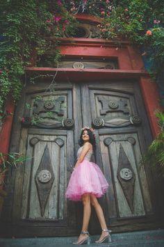 Sesion de fotos con tutu en barrio antiguo, casa morelos en Monterrey.