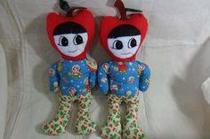 Meninos com cabeça de maçã