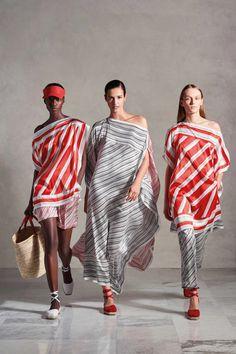 Vogue Russia, Spring Summer Fashion, Fashion Show, Milan Fashion, Catwalk, Ready To Wear, Kimono Top, Cover Up, Stripes
