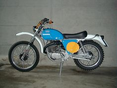 Mx Bikes, Motocross Bikes, Vintage Motocross, Dirt Bikes, American Motorcycles, Cars Motorcycles, Motorcycle Dirt Bike, Classic Motorcycle, Ktm 125