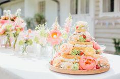 Summer wedding cake with pink peonies | Tanja Schalling