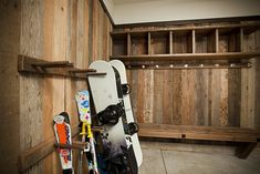 reclaimed wood for ski / boot room Snowboard, Drying Room, Ski Decor, Mountain Cottage, Colorado Homes, Cabin Homes, Mudroom, Skiing, Ski Chalet