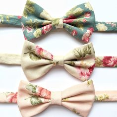 Floral bow ties for the groom #wedding