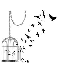 cage, clé et oiseaux libérés pour ceux qui apprécient la liberté