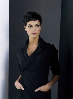 hair morenas Love Amy Acker, but Morena Baccarin would have KILLED IT as Root. Pixie Hairstyles, Cool Hairstyles, Pixie Haircuts, Curly Hair Styles, Natural Hair Styles, Pixie Crop, Curly Pixie, Short Pixie, Morena Baccarin