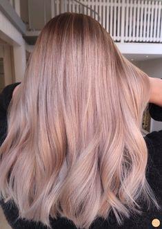 Balayage blont h r - Peach Stockholm Pink Blonde Hair, Rose Blonde, Pastel Pink Hair, Blonde Hair Looks, Strawberry Blonde Hair, Blonde Pink Balayage, Blonde Hair With Pink Highlights, Balayage Hair Rose, Pastel Blonde