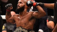 How The UFC's Most Dominant Champ Makes Time To Stream Video Games http://kotaku.com/how-the-ufcs-most-dominant-champ-makes-time-to-stream-v-1787496678