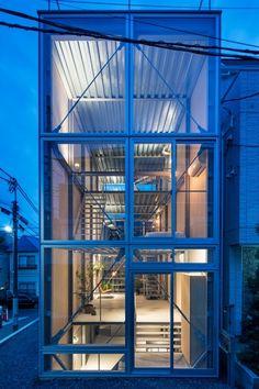 House in Ebisu is a five-storey, seven-flight house designed by Tetsuo Yamaji Architects + Seiji Kamayachi Architects in Tokyo's Ebisu district.