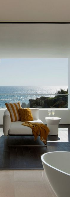 Beach House Deck overlooking the water. Horst Architects