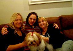Eu e minha sobrinha Adeline,e minha irmã Luzia,amo amo amo,ah e a Pity linda ♥