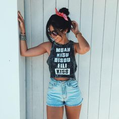 Find images and videos about girl, fashion and style on We Heart It - the app to get lost in what you love. Summer Outfits, Casual Outfits, Cute Outfits, Tumblr Photography, Photography Poses, Style Tumblr, Only Shorts, Look Con Short, Foto Casual