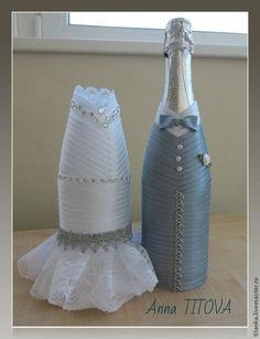 Grey groom and bride Wine Glass Crafts, Wine Bottle Crafts, Bottle Candles, Bottles And Jars, Wedding Wine Bottles, Wine Bottle Art, Wine Decor, Wedding Glasses, Bottle Design