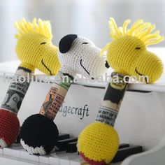 Crochet Rattle - No Pattern Tunisian Crochet, Knit Or Crochet, Crochet For Kids, Crochet Baby Toys, Crochet Animals, Baby Snoopy, Bazaar Crafts, Unique Crochet, Baby Rattle