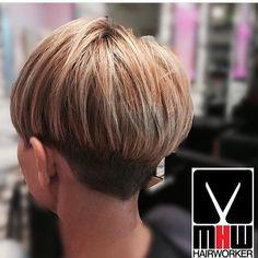 "Gefällt 218 Mal, 2 Kommentare - @boblovers auf Instagram: ""Haircut by @mirkohairworker #bobhaircut #undercut #carrè #sidecutstyle #bobhairstyle #rasatura…"""