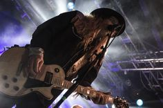 Cane (Korpiklaani live at Nosturi, Helsinki, 18 March 2017)