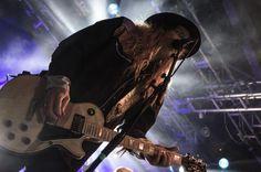 Cane (Korpiklaani live at Nosturi, Helsinki, 18 March 2017)