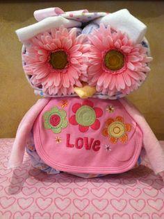 Owl Diaper Cake, Owl Baby Shower, Diaper animal. $40.00, via Etsy.