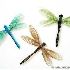 - Quilling is definitely the art of making p Quilling Butterfly, Arte Quilling, Paper Quilling Flowers, Paper Quilling Patterns, Origami And Quilling, Quilling Paper Craft, Paper Crafts, Butterflies, Quiling Paper Art