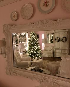 I'm going to miss Christmas...it just makes everything look so pretty and cozy.  #sweetmelaniedesign