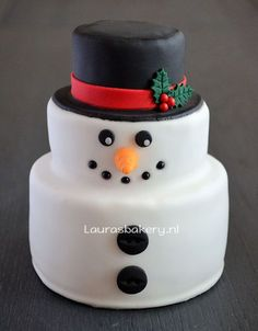 Mini snowman cake for christmas