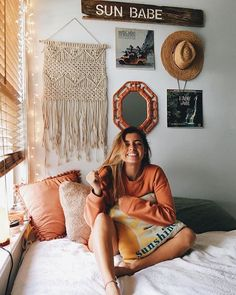 Loving these cute dorm rooms and dorm decor ideas! If you need ideas for cute dorm rooms, here are tons of cute dorm room decor ideas that will give you inspiration! These chic and cute dorm room ideas are affordable and perfect for a student budget. Dream Rooms, Dream Bedroom, My New Room, My Room, Boho Room, Beachy Room Decor, Surf Decor, Surf Style Decor, Bohemian Dorm Rooms