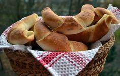 Szeretnél friss, házi készítésű kiflit tenni az asztalra? 45 perc alatt elkészül! Bagel, Bread, Cooking, Breakfast, Kitchens, Hungary, Kitchen, Morning Coffee, Brot