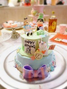 The wedding cake for my friend. Alice-in-Wonderland