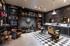 With a full mirror Barber Shop Interior, Barber Shop Decor, Cafe Interior, Interior Design Living Room, Bar Retro, Design Retro, Cafe Design, Design Design, Barbershop Design
