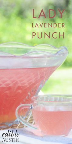 Garden tea parties aren't just a thing of childhood daydreams past. This beautifully-pink light gin punch is the perfect addition to your finger sandwiches and petit fours. Non Alcoholic Drinks, Fun Drinks, Cocktails, Garden Party Wedding, Garden Tea Parties, Pink Punch Recipes, Finger Sandwiches, Vintage Tea, High Tea