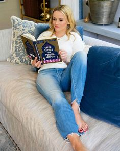Reese Witherspoon has a new book club pick, Erotic Stories for Punjabi Widows by Balli Kaur Jaswal (William Morrow: Harper) Reese Witherspoon Instagram, Reese Witherspoon Book Club, Reese Witherspoon Style, Ava Phillippe, Luckiest Girl Alive, Sunshine Books, Reese Whiterspoon, Celebrities Reading, March Book