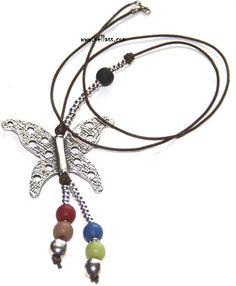 """#Collar """"vuela"""" realizado con #cuero, cuentas de #zamak y resina. #necklace #handmade  21% DE DESCUENTO EN COLLARES, PULSERAS, LLAVEROS, PENDIENTES Y ANILLOS INCLUYENDO EL CUPÓN Q820HSV46CM HASTA EL 31/01/2013  http://nellass.com/products/vuela.html  $32-24,95€"""