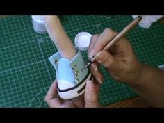 Muñeca completa 3ª parte: Rellenar cuerpo y hacer zapatos - YouTube