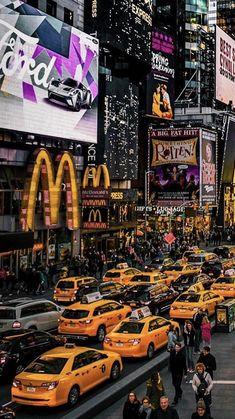 New York City rush hour. 📷 Yoshi New York City rush hour. 📷 Yoshi reise New York City rush hour. 📷 Yoshi Related posts:We Love You More than All the Stars. New York Weihnachten, Photographie New York, Paris New York, New York Taxi, Ville New York, Voyage New York, City Vibe, New York Photography, New York Christmas