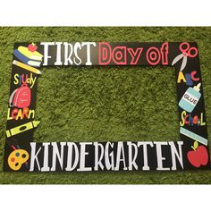 First day of school photo frame booth - last day of school photo frame booth - fun day photo frame and props- kindergarten graduation booth First Day Of School Pictures, 1st Day Of School, Beginning Of School, School Photos, School Fun, School Stuff, Kindergarten Pictures, Kindergarten First Day, Kindergarten Graduation