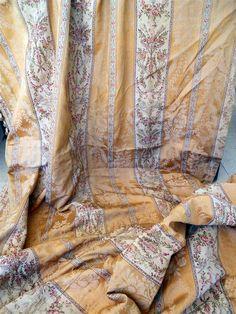 Paire De Rideaux Et Leur Cantonière Soie 19ème Style Louis XVI, Rose Couleur…
