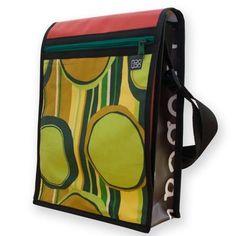 """Bolso/Bandolera Araura realizado a mano y en materiales reciclados """"Retro"""" / Araura recycled and handmade bag/bandolera """"Retro"""" (Pieza única / Unique piece) -- Precio/Price: 50,40 €"""
