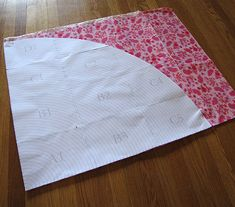 The Scientific Seamstress, AKA Carla, shows us how to make a large circular pattern with this tutorial and PDF. I'm definitely going to try this. As Carla states in her post, when she needed a circ...