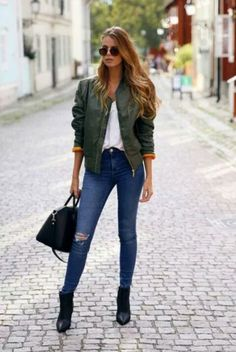 Josefin Ekstrom Green Bomber Jacket Fall Inspo: Ready To ReMaster! Casual Work Outfits, Mode Outfits, Fall Outfits, Fashion Outfits, Fashion Trends, School Outfits, Fashion Styles, Blazer Fashion, Sexy Outfits