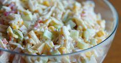 Składniki: - 1 czerwona papryka - 1 średni zielony ogórek - 1/2 puszki kukurydzy - 1/2 opakowania makaronu ryżowego - ok. 150g szynki ... B Food, Love Food, Food Porn, Healthy Snacks, Healthy Recipes, Party Food And Drinks, Macaron, Food Inspiration, Cooking Recipes