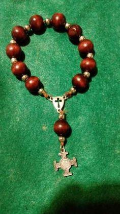 Rosary Bracelet, Beaded Bracelets, Catholic Christening, Crochet Placemats, Holy Rosary, Kids Boutique, Religious Jewelry, Prayer Beads, Book Crafts